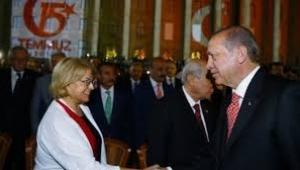 Ciller Yenikapı'ya Erdoğan ve Bahçeli'den önce geldi