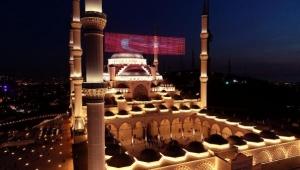 Regaip Kandili'nde Çamlıca Camii dolup taştı: İşte ilk ezan