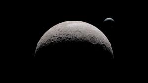 Araştırmacılar, Ay'ın Öteki Yüzünün Karanlık Olmadığını İleri Sürdü
