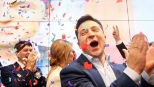 Ukrayna'da komedyen Zelenski yüzde 73 oyla yeni devlet başkanı seçildi