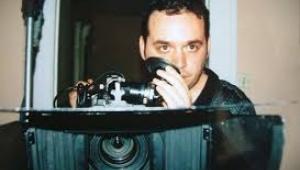 Yönetmen Bülent Pelit yazdı SIKI YÖNETİM Film çekmek