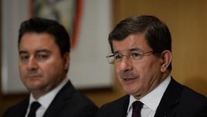 Bülent Arınç: Babacan lider değil, Davutoğlu siyasi figür...