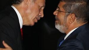 Mursi, mahkeme salonunda öldü!