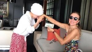 Turizm Bakanı'nın eşi Pervin Ersoy'un 100 dolar pozu