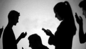 Telefonlar bizi neden mahvediyor? Beynimiz mutlulukla zevkin farkını biliyor