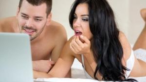 Ve ortaya çıktı: Google ve Facebook sizinle porno izliyor