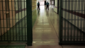Çıplak arama, darp, askeri nizamda sayım; cezaevlerindeki hak ihlalleri bir kez daha Meclis gündeminde