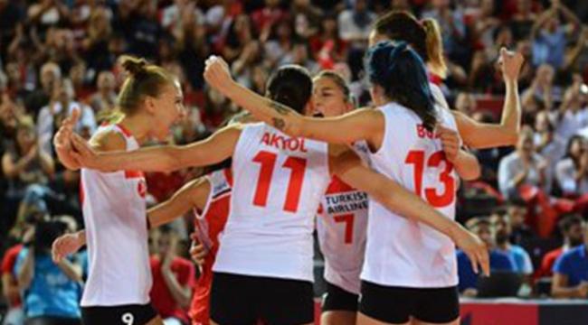 A Milli Kadın Voleybol Takımı yarı finale yükseldi