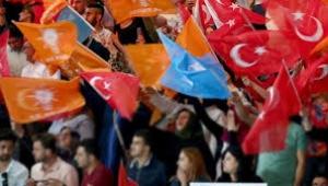 AKP'nin üye sayısı 1 yılda neredeyse 800 bin azaldı