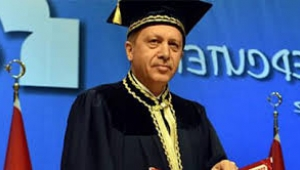 Erdoğan diploma meselesini açan yazardan 100 bin lira istedi