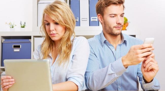 İlişkinin ömrünü kısaltan yeni nesil dijital kıskançlıkları!