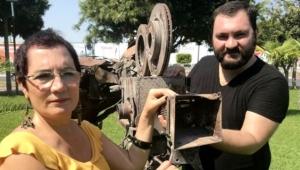 Parasızlıktan Hollywood'a gidemeyen yönetmen ödülü...