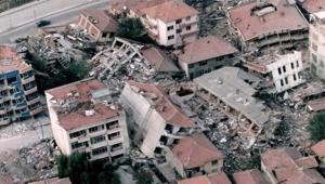 Yeni Şafak yazarı: Rant, depremle mücadeleden daha değerli bulundu