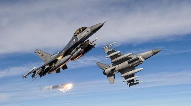 Türk savaş uçakları Barış Pınarı Harekatı kapsamında 30 kilometre derinliğe girdi