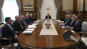 Saray'daki toplantıda flaş FETÖ kararları