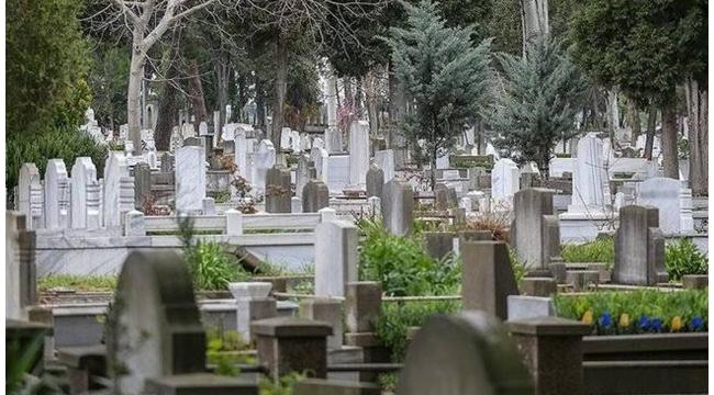 İstanbul'da mezar yerlerine zam yapıldı