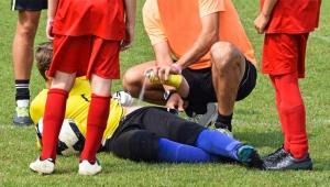 Rakibi tarafından penisi ısırılan futbolcuya 10 dikiş atıldı