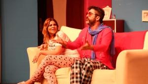 ''Seni Unutmak İstemedim ki'' tiyatro oyunu büyük ilgi ile karşılanmaya devam ediyor..