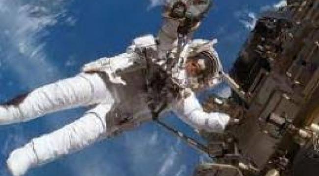Ay'a ve Mars'a gitmek isteyen 12 bin kişi NASA'ya başvurdu