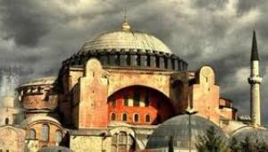 Ayasofya'nın müze işletmecisi şirketin sözleşmesi sürüyor