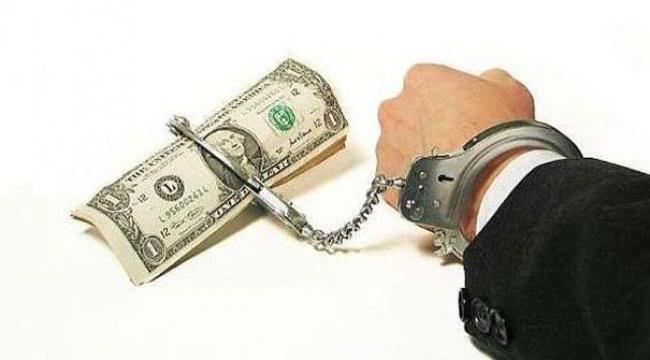 Borçla yatıp borçla kalkıyoruz