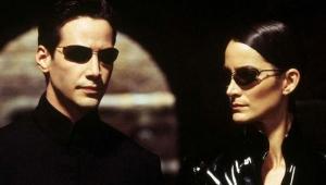 Matrix'e giriş ve çıkış neden sadece sabit telefonlarla yapılıyor?