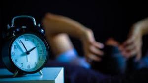 Biyolojik saat ile sosyal saat arasındaki fark neden olur?