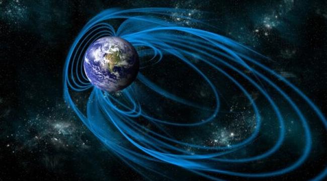 Dünya'nın Manyetik Kutbu Sibirya'ya Doğru Kayıyor ve Artık Nedenini Biliyoruz!