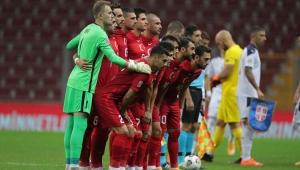 Türkiye - Sırbistan maçı konuşulurken gecenin olayı