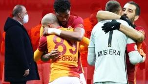 Maça damga vuran olay! Fernando Muslera ve Feghouli...