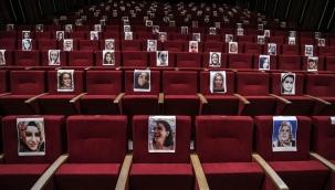 Kadın Oyunları Festivali 'Frida' oyunu ile başladı: Öldürülen kadınlar anıldı