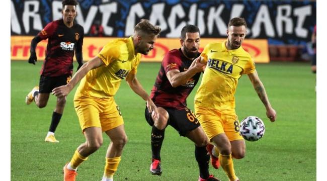 MKE Ankaragücü'ne 2-1 yenilen sarı-kırmızılılar, 8 maç sonra kaybetti.