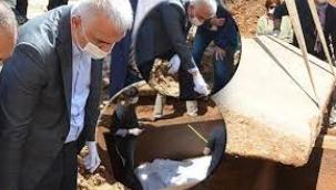 Bakan Ersoy, Bodrum'da 2 bin 400 yıllık lahit kapağını açtı