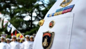 Emekli amirallere kelepçe takılacak