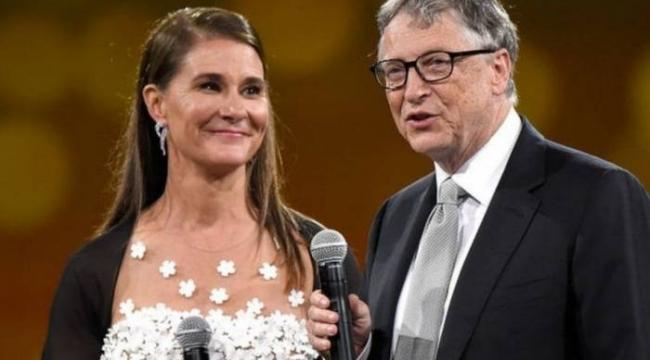 Azerbaycan Televizyonunda Bill Gates Yorumu: Çip Koyabilse, Avradına Koyar