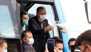 Cumhurbaşkanı Erdoğan'ın Vatandaşa Çay Fırlatması Sert Tepki Gördü