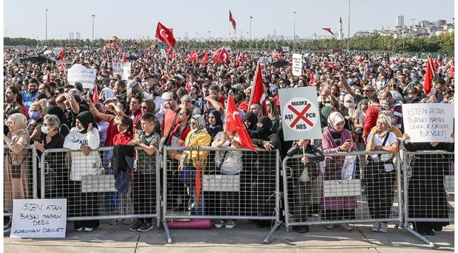 Aşı karşıtları İstanbul'da toplandı: Dilipak konuşma yaptı