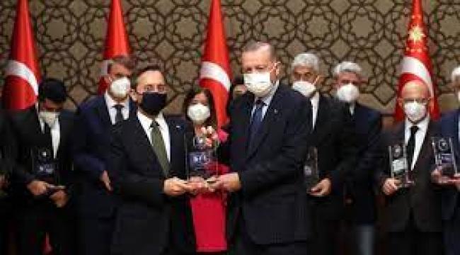 Saray'da Verilen Medya Ödüllerinin Perde Arkası