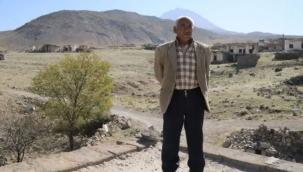 Boşaltılan köyde 10 yıldır tek başına yaşıyor