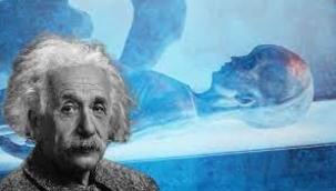 Einstein,5 uzaylının cesedini mi inceledi?