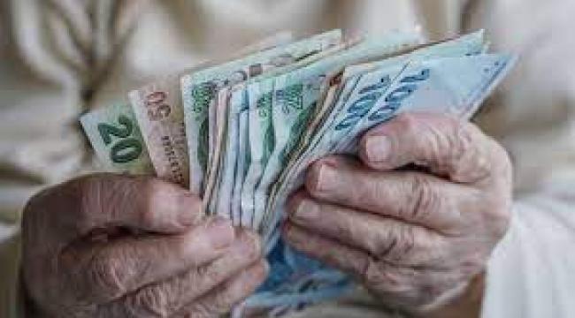 Emekliler, zam ve AGİ istiyor: En düşük aylık, asgari ücret seviyesine yükseltilmeli
