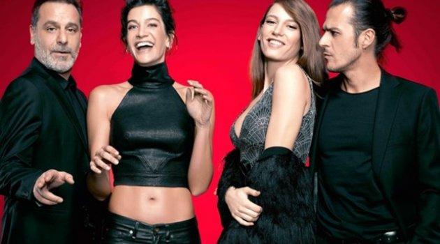 Fi dizisinde Serenay Sarıkaya ve Ozan Güven'in sevişme sahnesi olay oldu!
