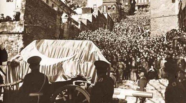 Atatürk'ün Cenaze Töreni Görüntüleri