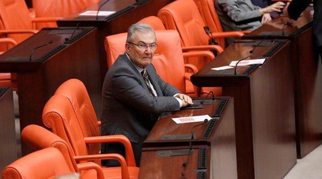 Deniz Baykal 'AKP'ye geçecek' iddialarına yanıt verdi