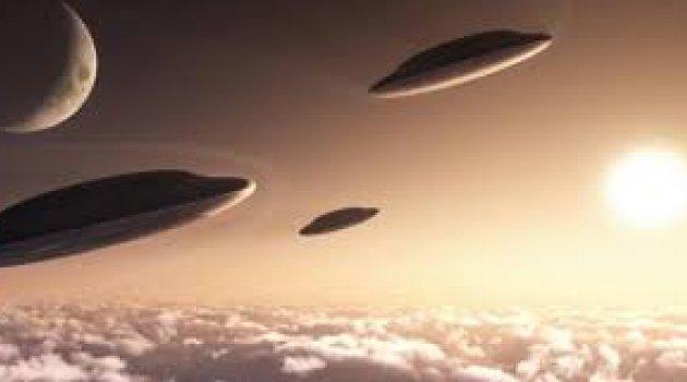 Donanma pilotu: Deli değilim, UFO gördüm