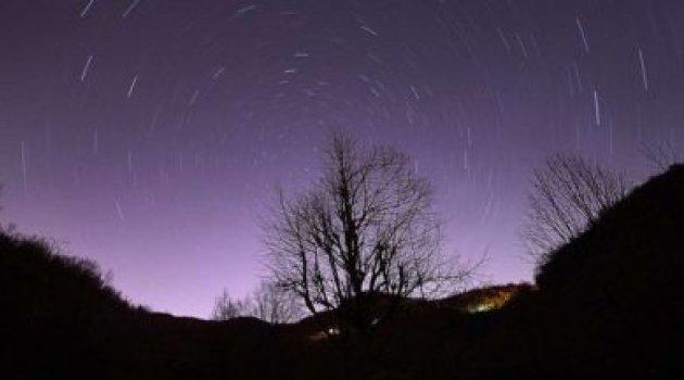 Evrende oluşan ilk yıldızlardan güçlü sinyaller