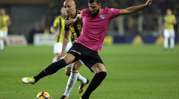 Fenerbahçe-Kasımpaşa F.Bahce zirveye yetişiyor 4-2