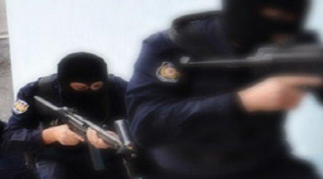 İstanbul'da 20 Adrese Operasyon