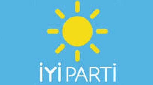 İYİ Parti listeleri YSK'ye teslim edildi