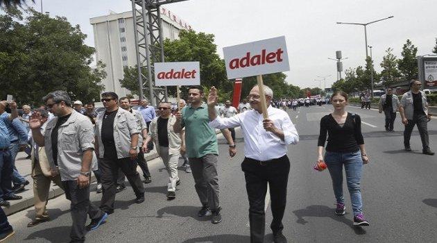 Kılıçdaroğlu'nun Adalet Yürüyüşü dünya basınında
